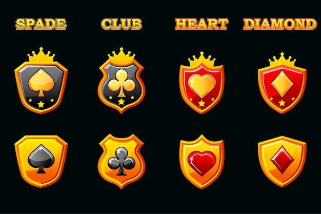 Подходит для колоды игральных карт на щите, символов покера на золотых щитах. иконки на отдельном слое. Premium векторы
