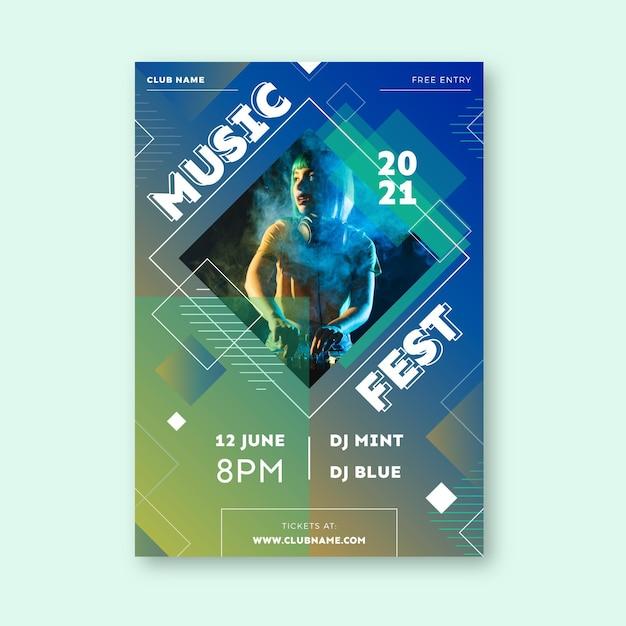 Шаблон плаката музыкального события летнего фестиваля Бесплатные векторы