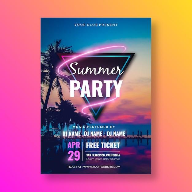 Шаблон плаката летней вечеринки с изображением Бесплатные векторы