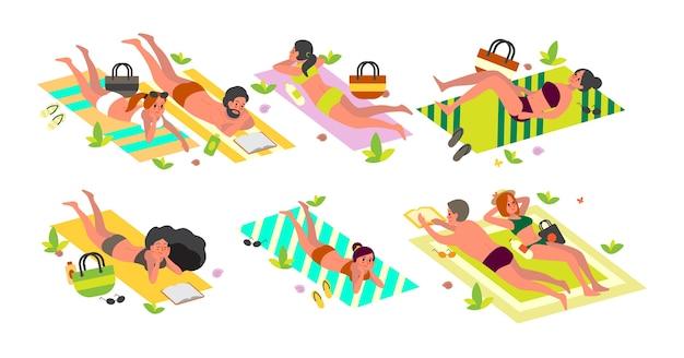 Концепция летних каникул. люди, лежащие на пляжном полотенце, расслабляются и загорают. женщина и мужчина на летних каникулах и каникулах. Premium векторы