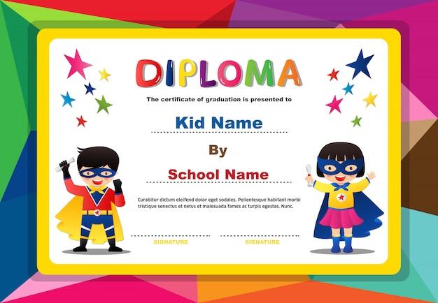 Дошкольное superhero дети мальчики и девочки диплом сертификат красочный дизайн шаблона Premium векторы