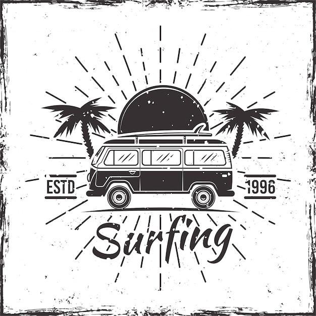 Серфинг автобус с пальмами, закат и лучи черный векторная иллюстрация Premium векторы