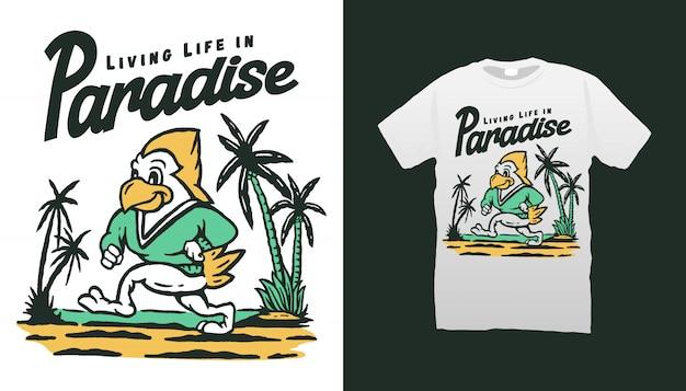 ビーチのtシャツデザインで鳥のマスコット Premiumベクター
