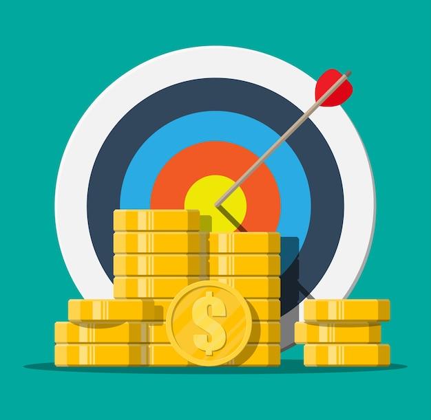 矢印と金貨の山でターゲット。目標の設定。スマートゴール。ビジネスターゲットの概念。達成と成功、フラットスタイルのイラスト Premiumベクター