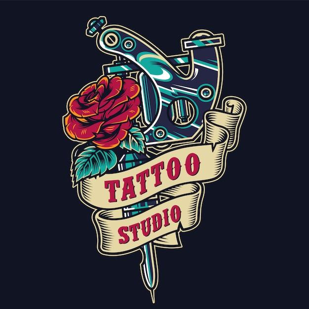 Distintivo colorato vintage salone di tatuaggio Vettore gratuito