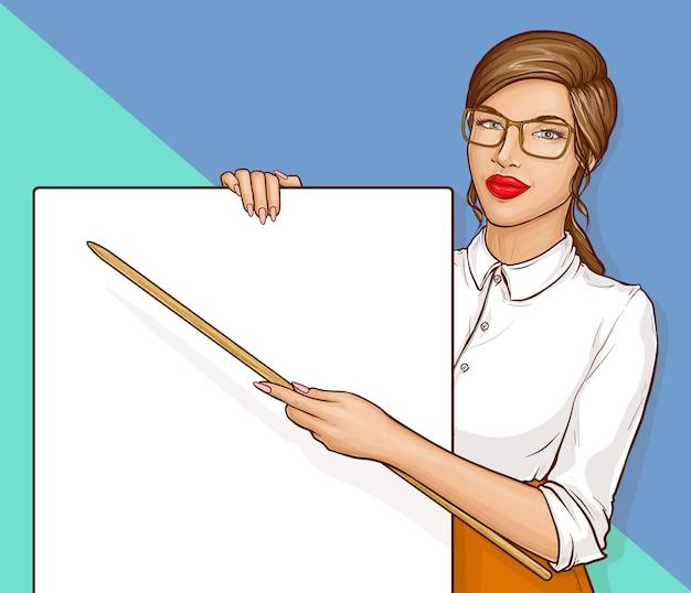 Учительница в очках и белой рубашке держит указатель и пустой плакат, ретро комиксов векторная иллюстрация Бесплатные векторы