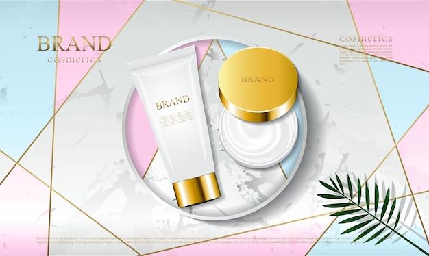 化粧品のパッケージは大理石のプラットフォームに配置されます Premiumベクター