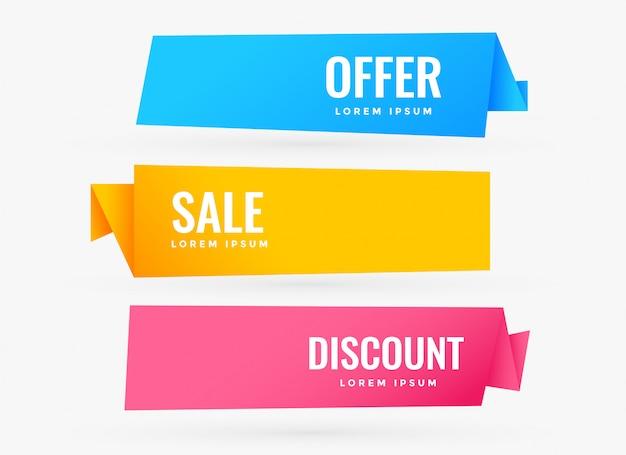 Tre banner in vendita con colori diversi Vettore gratuito