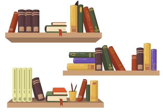 Три деревянные книжные полки с различными книжными плоскими наборами для веб-дизайна. Бесплатные векторы