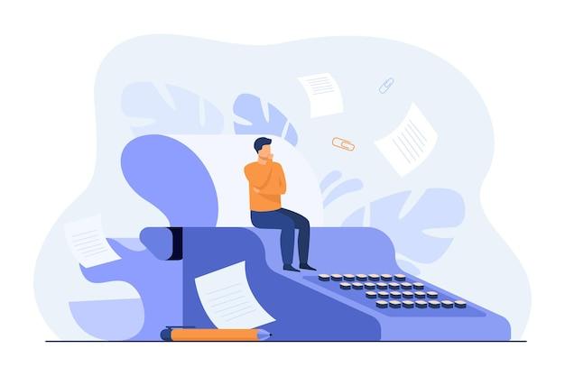 Piccolo sceneggiatore seduto su una macchina da scrivere retrò, pensando alla sceneggiatura mentre le bozze di carta volano intorno all'autore Vettore gratuito