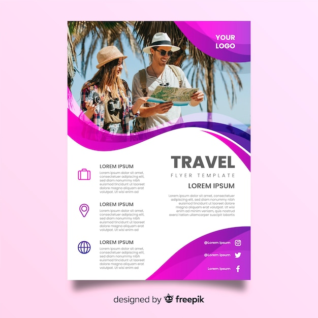 Touristic couple looking into a map Free Vector