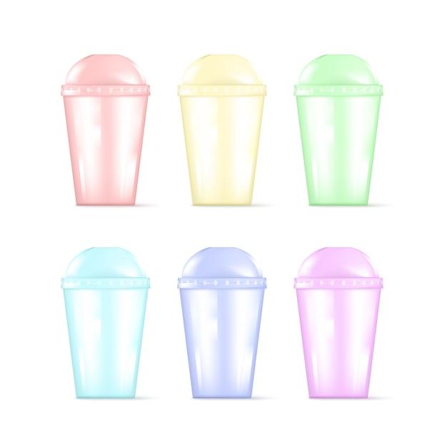 Прозрачная красочная пластиковая пустая одноразовая чашка. Premium векторы