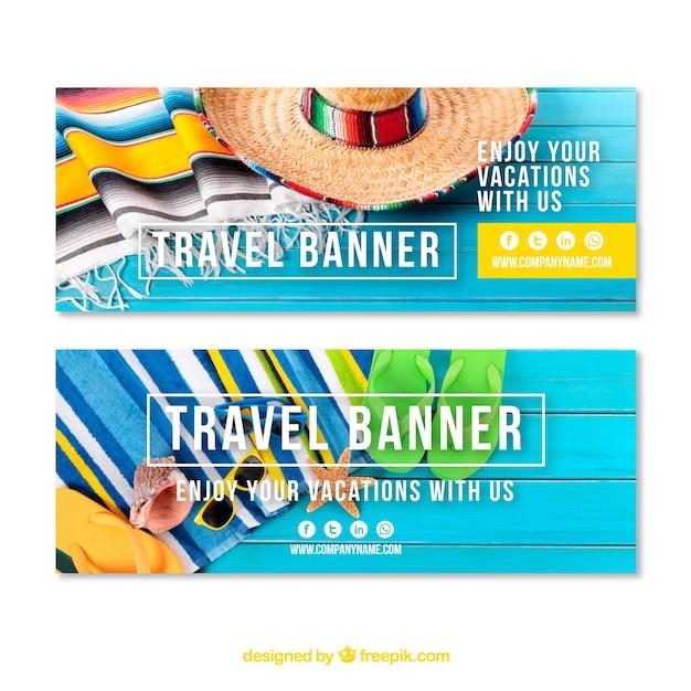 Туристические баннеры с элементами пляжа Бесплатные векторы