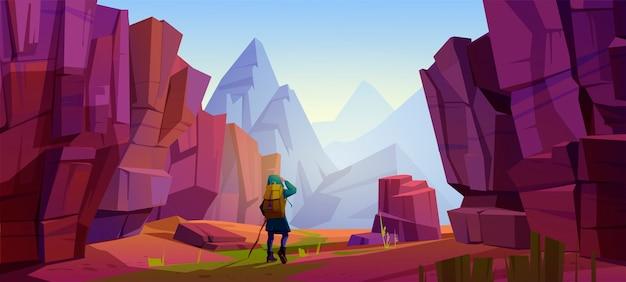 산 여행자, 여행 여행, 모험. 배낭과지도가있는 관광객은 바위가 많은 풍경에 서서 높은 봉우리의 거리를 들여다보십시오. 익스트림 하이킹 라이프 스타일, 만화 벡터 일러스트 레이션 무료 벡터