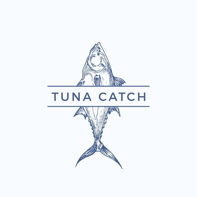 Тунец улов абстрактный знак, символ или шаблон логотипа. рука нарисованные тунца с классной типографикой. винтаж эмблема для ресторана, кафе, рынка и т. д. изолированы. Premium векторы