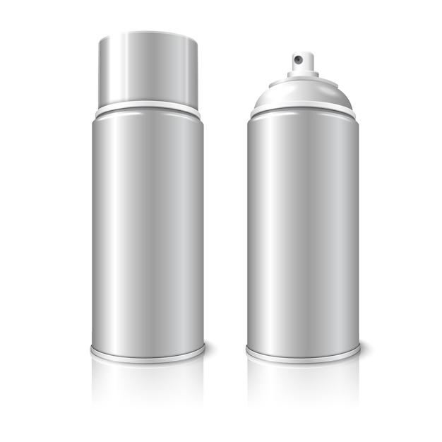 Две реалистичные, изолированные на белом фоне с отражением, пустые аэрозольные баллончики металлические 3d-бутылки - открытые и с крышкой. для красок, граффити, дезодорантов, пены, косметики и т. д. Premium векторы