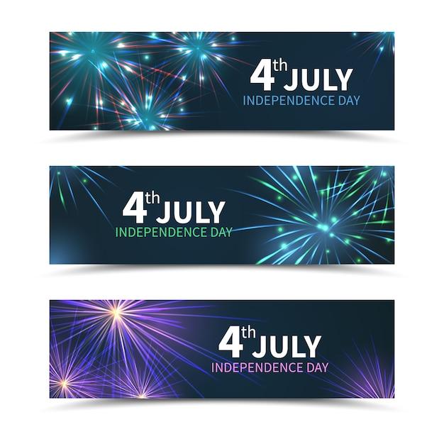 Баннеры дня независимости сша установлены с фейерверком. американский день, праздник америки, празднование июля, национальная свобода, векторные иллюстрации Бесплатные векторы
