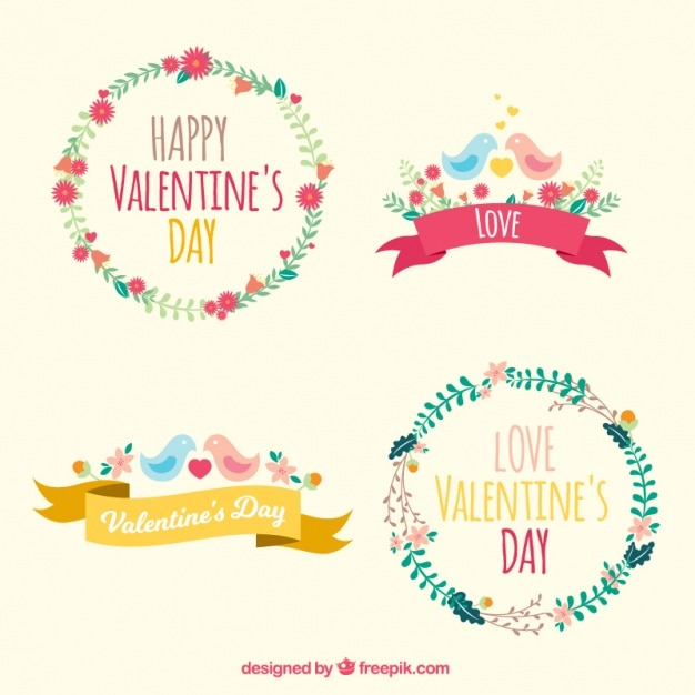 Valentine's wreaths with flowers and birds Free Vector