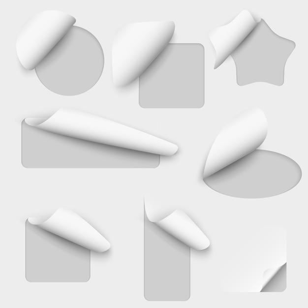 Etichette di ritaglio di carta vettoriale. nota foglio adesivo, messaggio di ricciolo, illustrazione stabilita di avviso di spazio vuoto Vettore gratuito