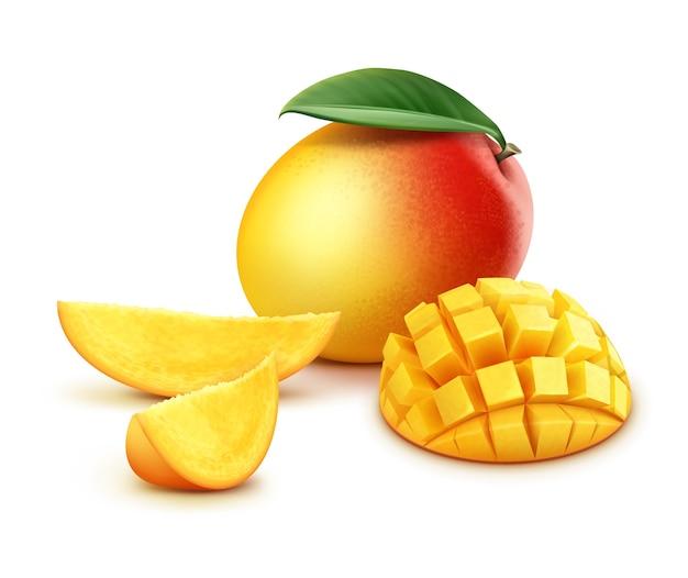 Вектор спелых желтых, оранжевых, красных целых и нарезанных кубиков манго с листьями, изолированные на белом фоне Бесплатные векторы