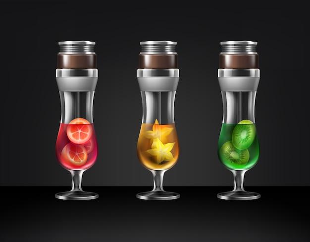 Insieme di vettore di narghilè cocktail di vetro uragano con diversi frutti kiwi, carambole, kumquat vista frontale isolato su sfondo scuro Vettore gratuito