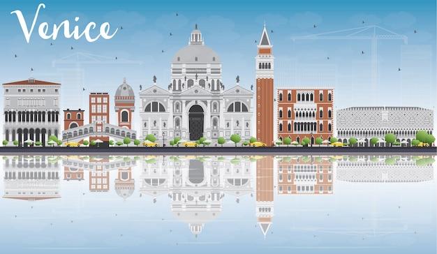 灰色と赤の建物とヴェネツィアのスカイラインのシルエット。 Premiumベクター