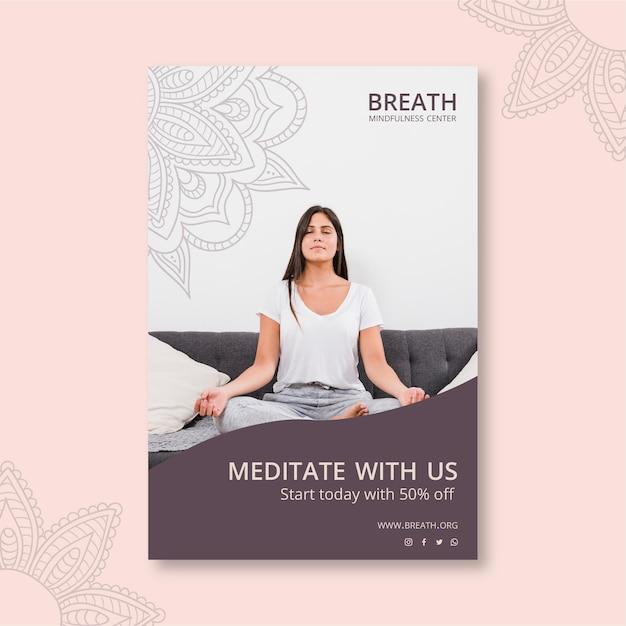 Volantino verticale per meditazione e consapevolezza Vettore gratuito