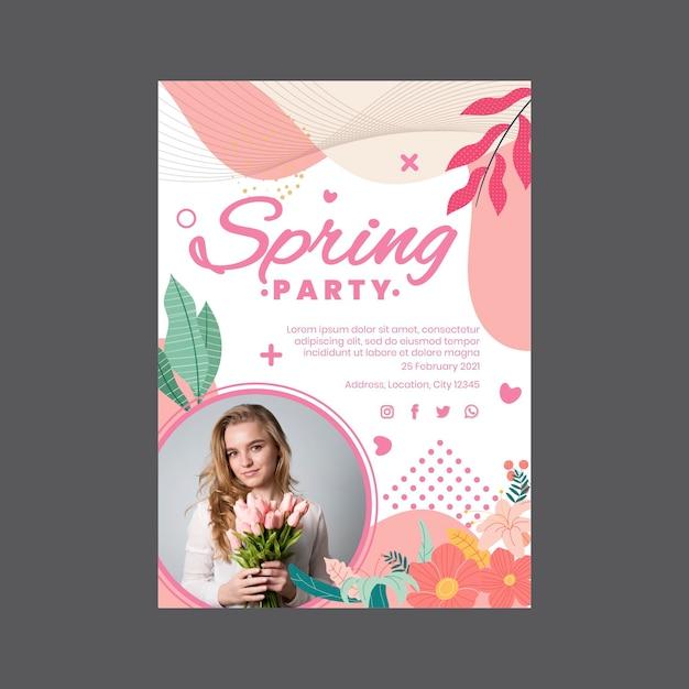 여자와 꽃 봄 파티를위한 수직 포스터 무료 벡터