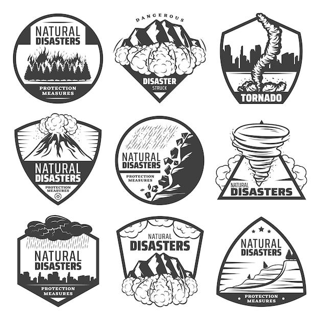 Etichette vintage monocromatiche disastro naturale impostate con incendio frana valanga tornado eruzione vulcano temporale pioggia diluvio isolato Vettore gratuito