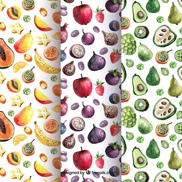 Watercolor patterns with variety of pieces of fruit Free Vector