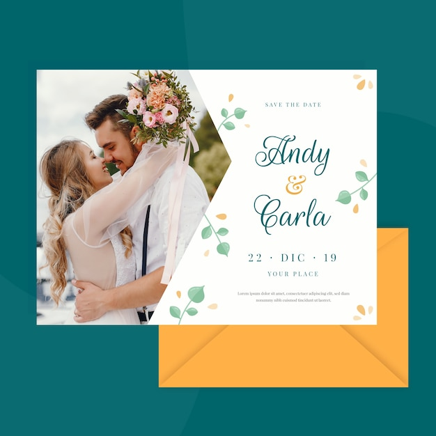 Wedding card template with photo of married couple Free Vector