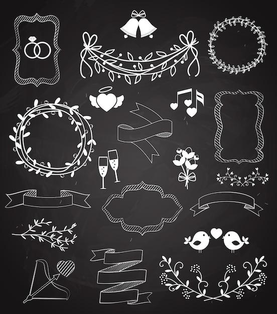 Свадебные элементы классной доски и ленты со стрелками в форме сердца, венки, гирлянды, колокольчики, птицы, шампанское, цветочные границы, баннерная лента и кольца, векторные наброски Бесплатные векторы