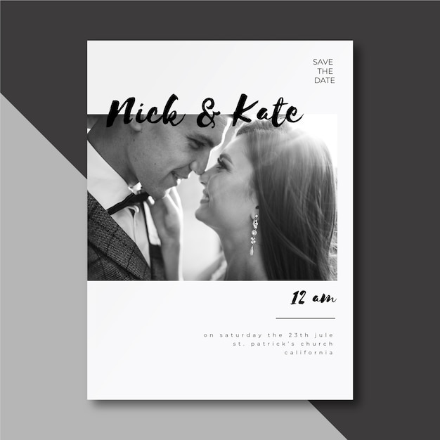 Wedding invitation with cute couple Free Vector