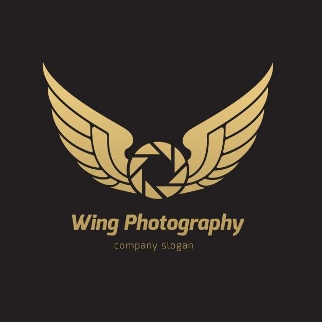Wings logo template Free Vector