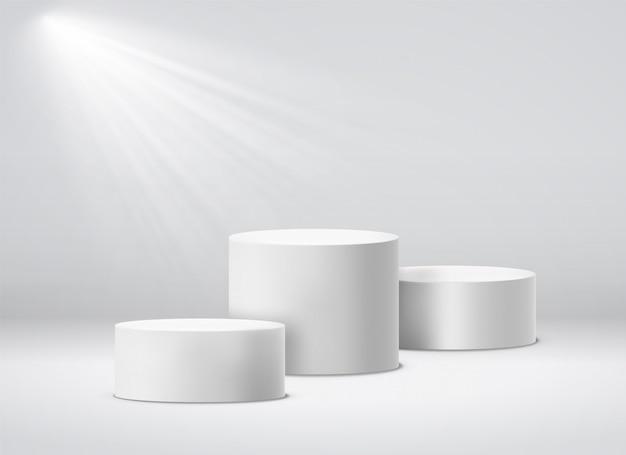 Пьедестал победителей. белый 3d геометрический студийный подиум с прожекторами. пустые пьедесталы изолированных иллюстрация Premium векторы