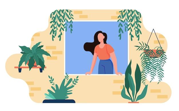 Женщина, торчащая из окна с домашними растениями. комнатные растения, теплица, эко интерьер плоской иллюстрации. Бесплатные векторы