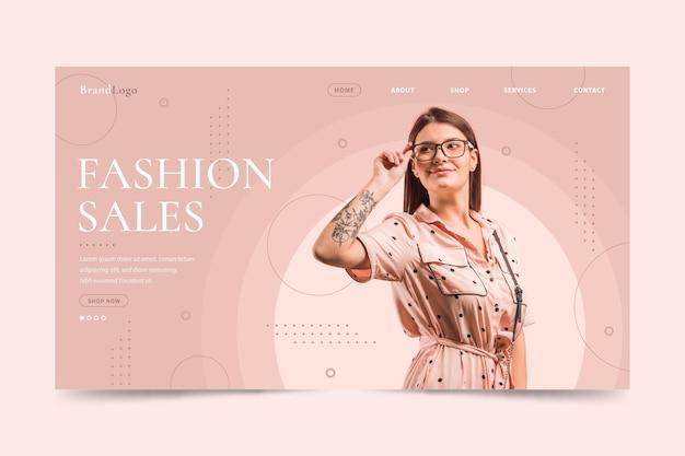 Woman wearing reading glasses fashion sale landing page Premium Vector