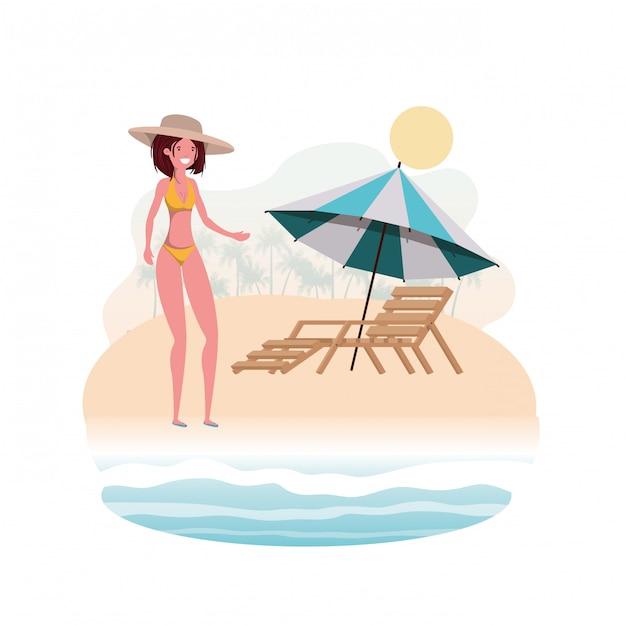 Женщина с купальником на пляже и зонтик Бесплатные векторы