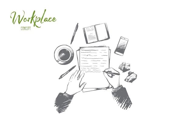 Концепция рабочего места. ручной обращается вид сверху человека, пишущего в блокноте, помещенном на стол. рабочий стол с чашкой кофе, смартфоном и другими принадлежностями изолировал иллюстрацию. Premium векторы