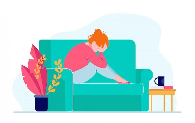 젊은 우울한 여자는 소파에 앉아 머리를 잡고 무료 벡터