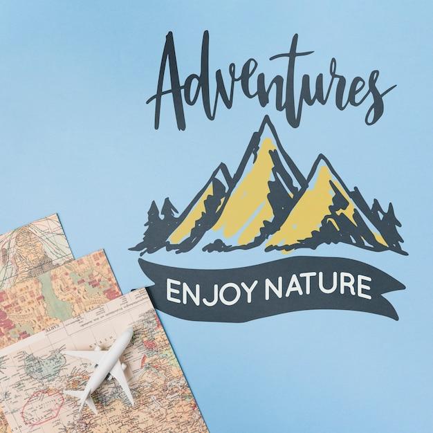 Abenteuer genießen die natur und schildern das reisen im urlaub Kostenlosen PSD