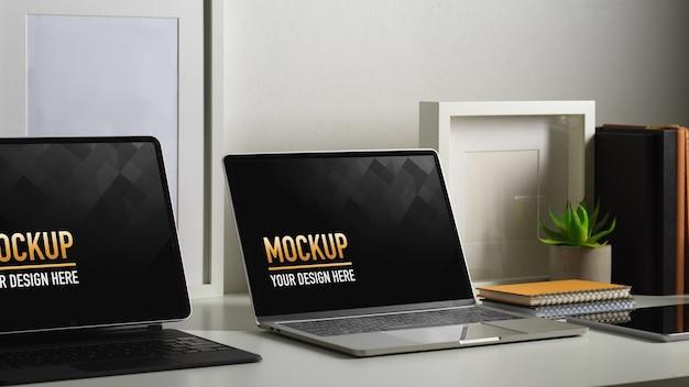 Arbeitstisch mit laptop-modellen mit anlage Premium PSD