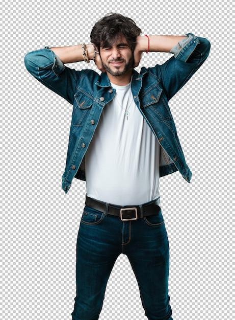 Bedeckungsohren des jungen gutaussehenden mannes mit den händen Premium PSD