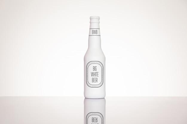 Bierflaschenetikett mock-up Premium PSD