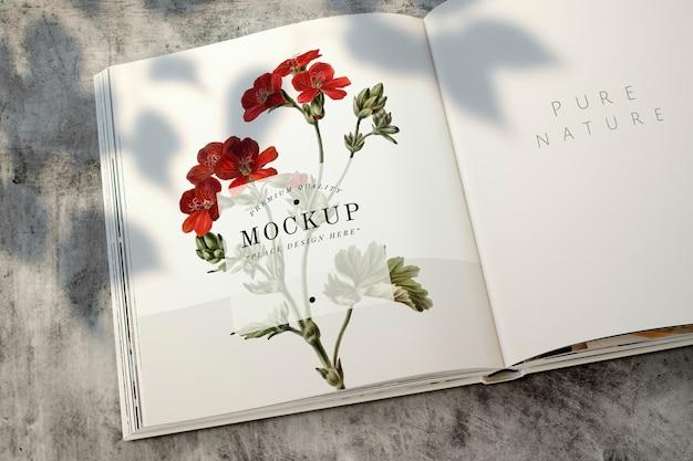 Blumenmagazinmodell mit leerzeichen Kostenlosen PSD
