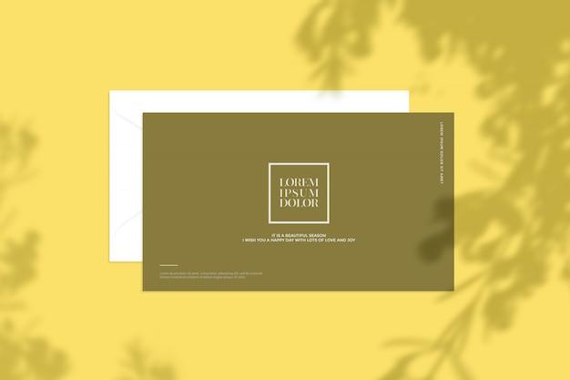 Briefpapiermodell mit blattschatten Premium PSD