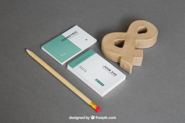 Briefpapiermodell mit visitenkarten und etzeichen Kostenlosen PSD