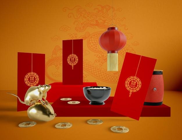 Chinesische illustration des neuen jahres mit schüssel reis und goldener ratte Kostenlosen PSD