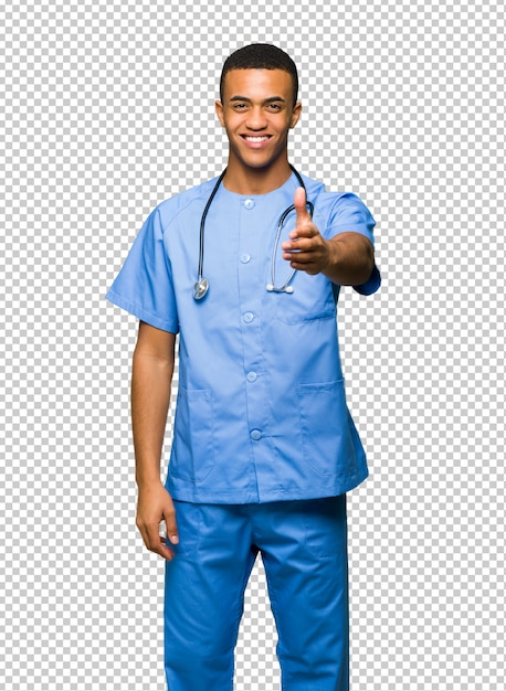 Chirurg doktormann, der hände für das schließen ein gutes geschäft rüttelt Premium PSD