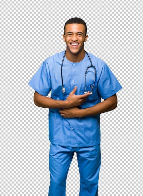 Chirurgendoktor, der viel lächelt, während hände auf kasten gesetzt werden Premium PSD